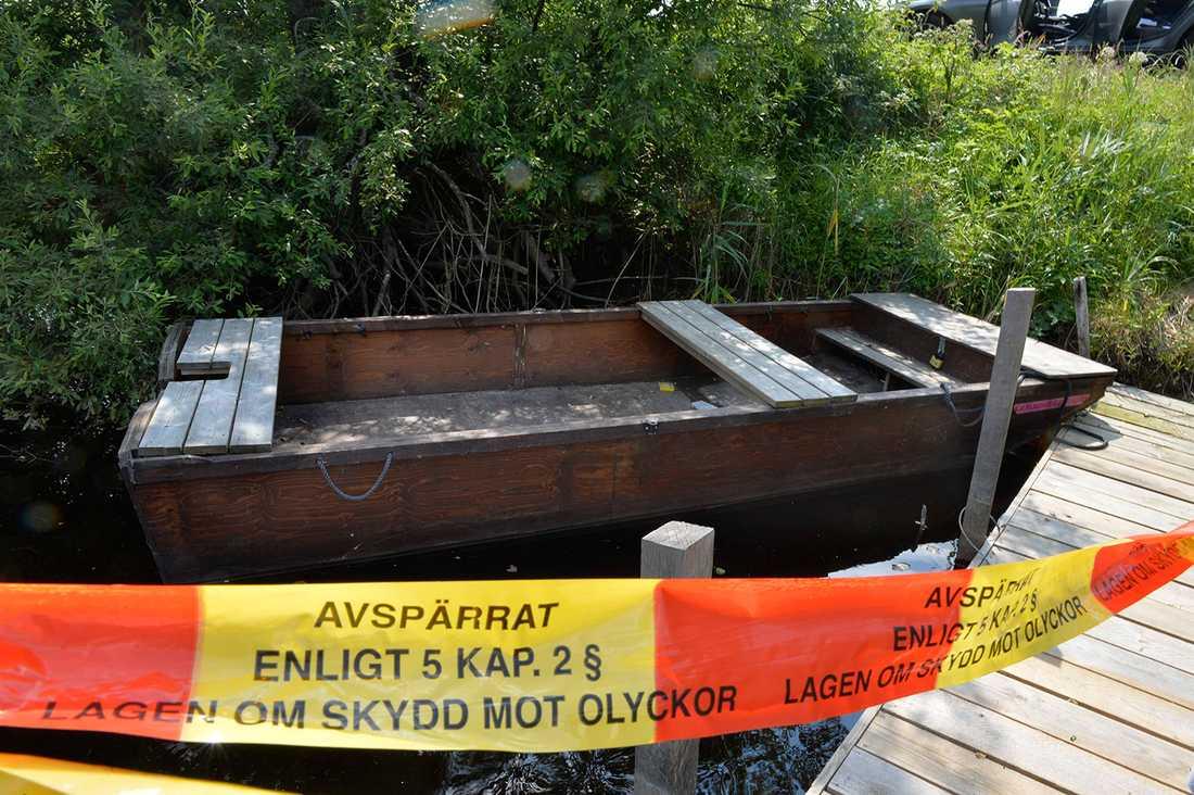 Den övergivna båten