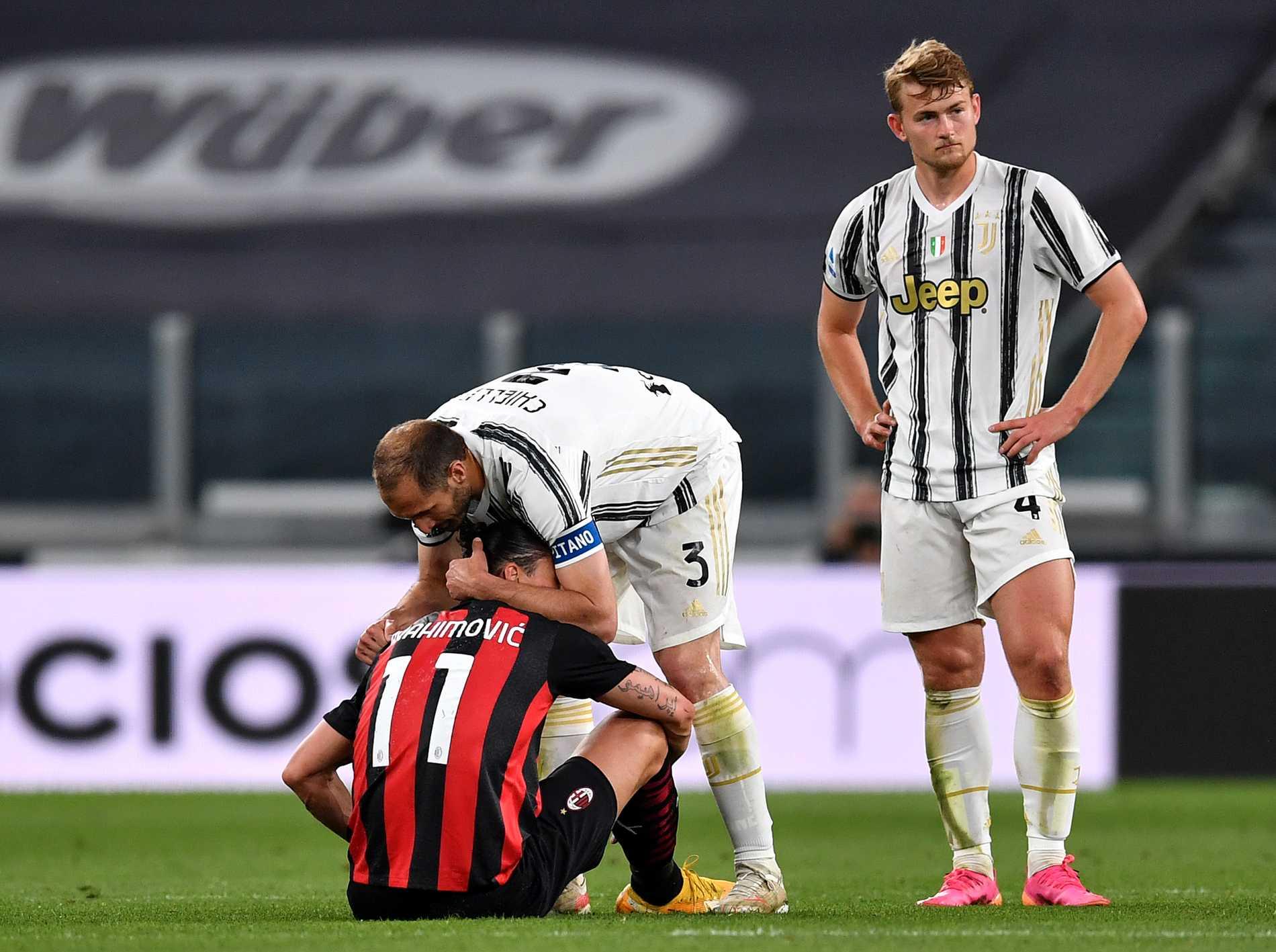 Giorgio Chiellini kramar om Zlatan Ibrahimovic.