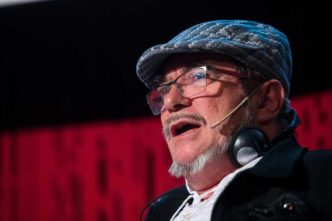 Farcledaren Rodrigo Londoño Echeverri vid ett panelsamtal i Oslo 2017.