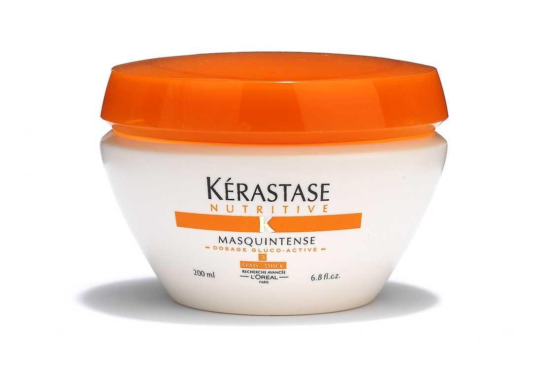 """""""Masquintense"""" Bra val till katastrofhår. Superdryg hårmask med fyllig, fluffig konsistens och intensivt blommig doft. Absorberas lätt av håret som efter fem minuters verkningstid och rask ursköljning känns silkeslent och återställt. 379 kr, Kérastase."""