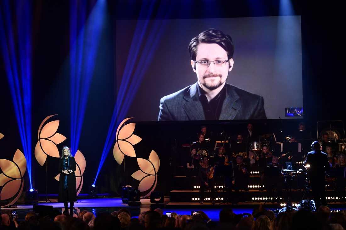 Edward Snowden på storbildsskärm vid utdelningen av Right Livelihood-priset 2019 i Stockholm. Han fick priset 2014. Arkivbild.