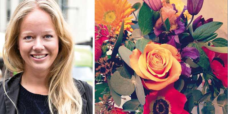 """Nyblivna tvåbarnsmamman Ebba von Sydow postar den här bilden på en vacker blombukett som damp ner under dagen: """"Maken och jag glömde bort alla ❤-dag imorse. Men titta så fina blommor till lill-babyn, känner mig uppvaktad ändå!"""", skriver programledaren och bloggerskan."""