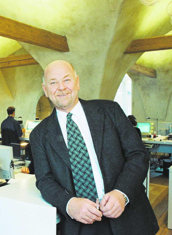 FICK JA I ett mail till Aftonbladet skriver Max Hanson att han eller hans företag aldrig fått åka i någon gräddfil.