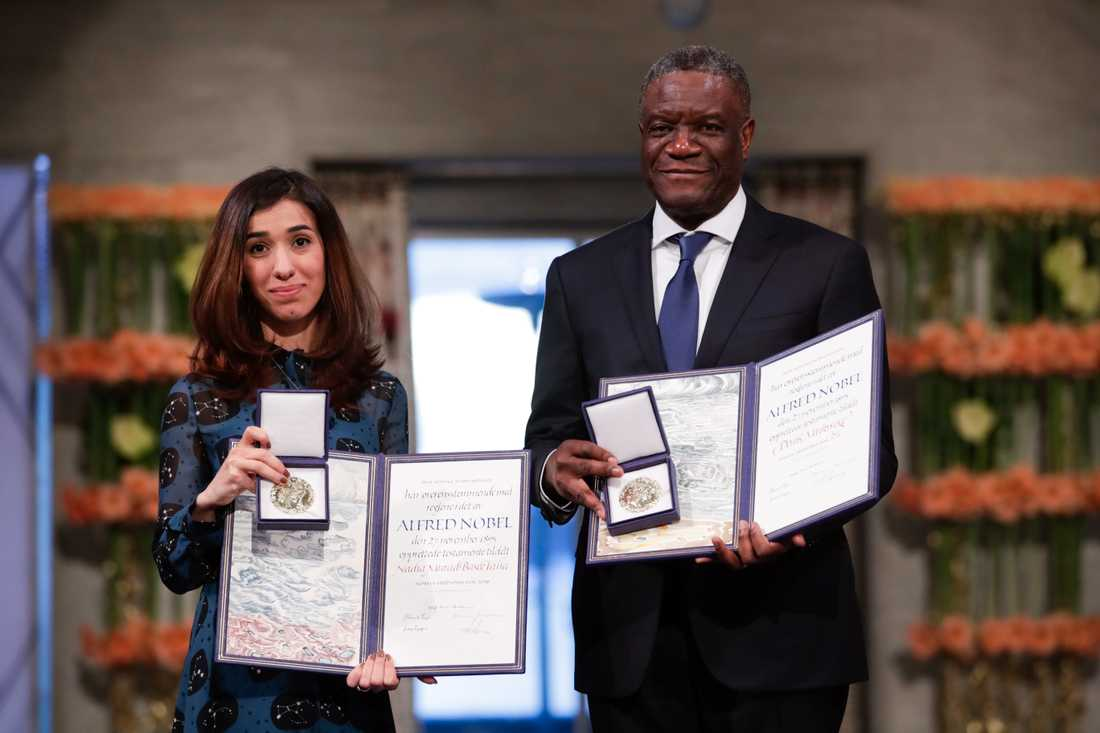 Den yazidiska människorättsaktivisten Nadia Murad från Irak och den kongolesiska läkaren Denis Mukwege tar emot Nobels fredspris.
