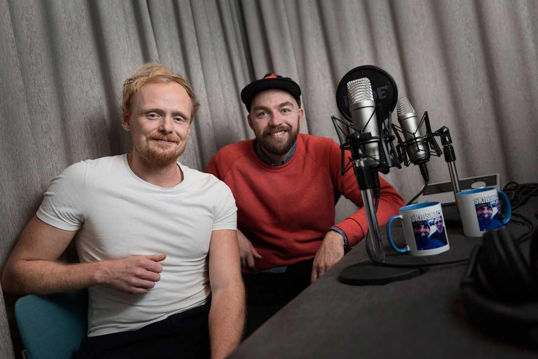 """I podden """"Skidsnack"""" snackar Stefan Sköld och Victor Stenquist om längdskidor och skidskytte."""