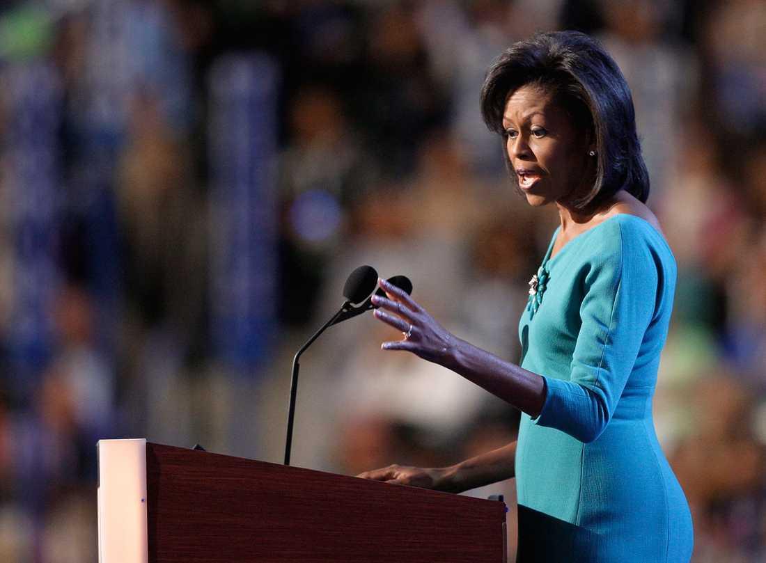 Michelle Obama håller tal på Demokraternas partikonvent 2008.