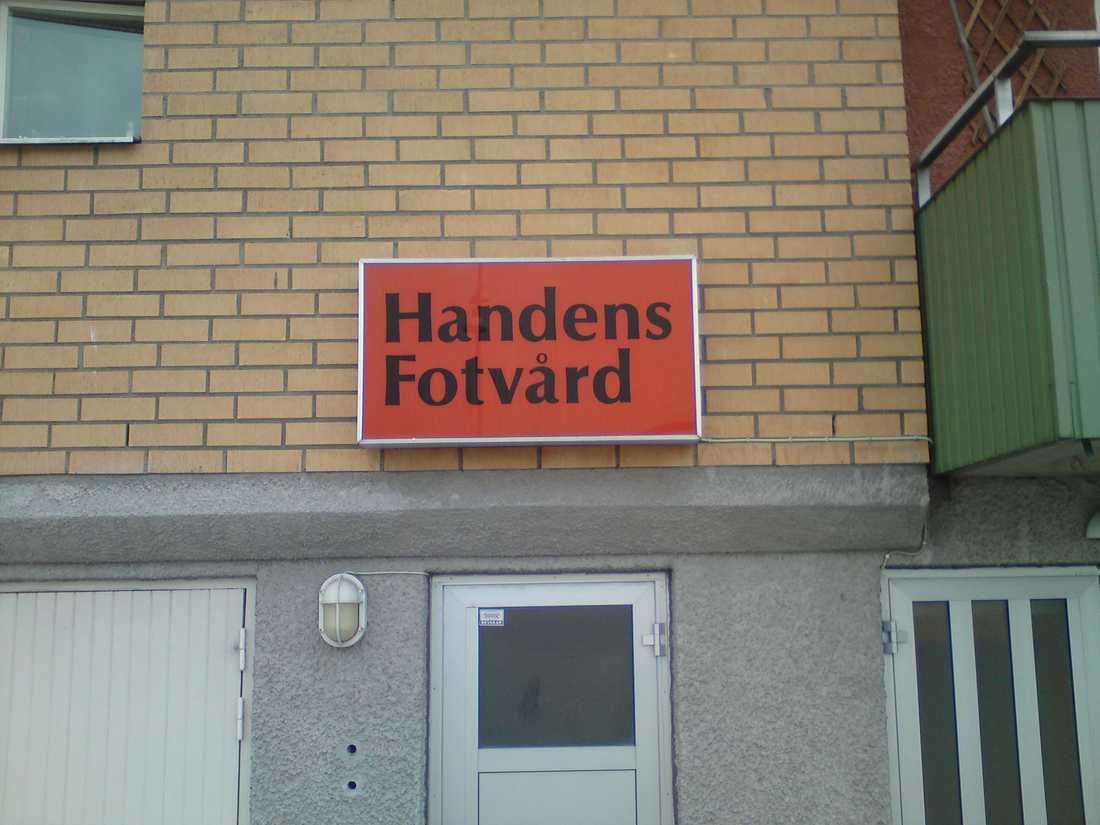 Fotvård i Handen. Inskickad av Staffan.