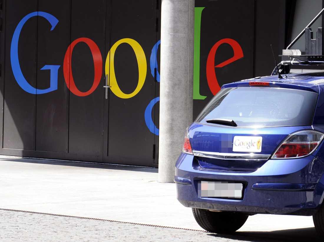 En av Googles bilar som deltagit i deras Street view projekt, alltså inte nödvändigtvis i testet med förarlösa bilar.