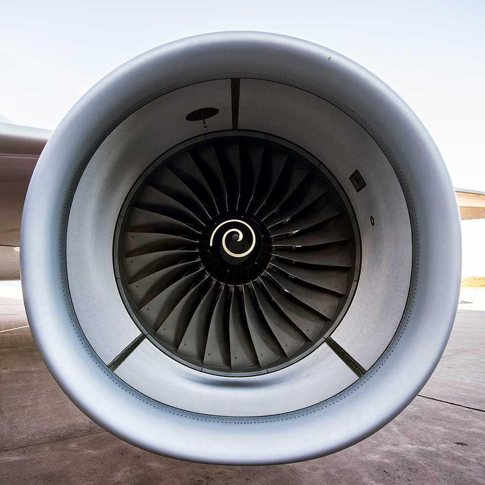 Flygkonflikten handlar om att bemanningsföretaget GEC vill pressa branschens redan tuffa villkor ytterligare