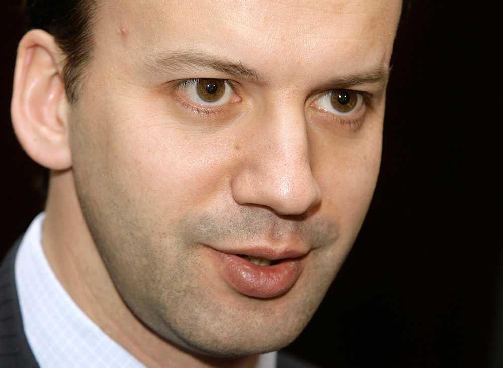 Rysslands vice statsminister Arkadij Dvorkovitsj avfärdar uppgifterna om en ubåtskränkning i svenska vatten.