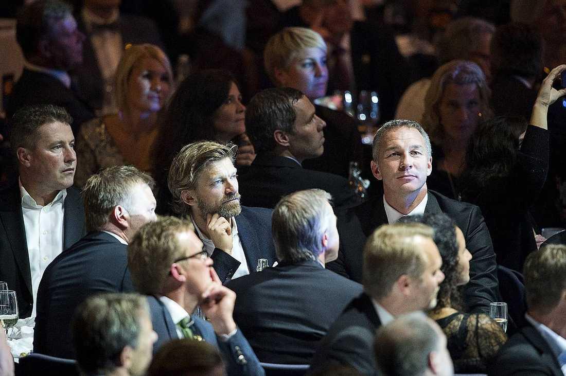 Magnus Hedman, Jesper Blomqvist, Roland Nilsson och Patrik Andersson ser tagna ut på galan.