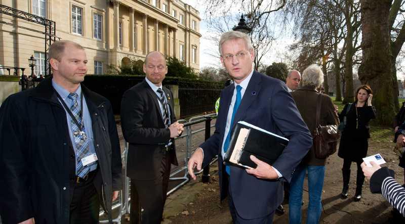 Utrikesminister Carl Bildt i London i dag.