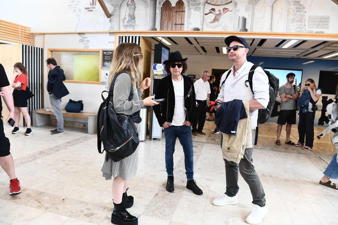 Miss Li, Magnus Uggla och Petter vid ankomsten till Gotland.