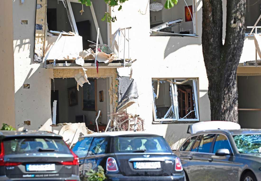 I juni i somras detonerade en sprängladdning utanför ett hus på Ådalagatan i Linköping. Arkivbild.