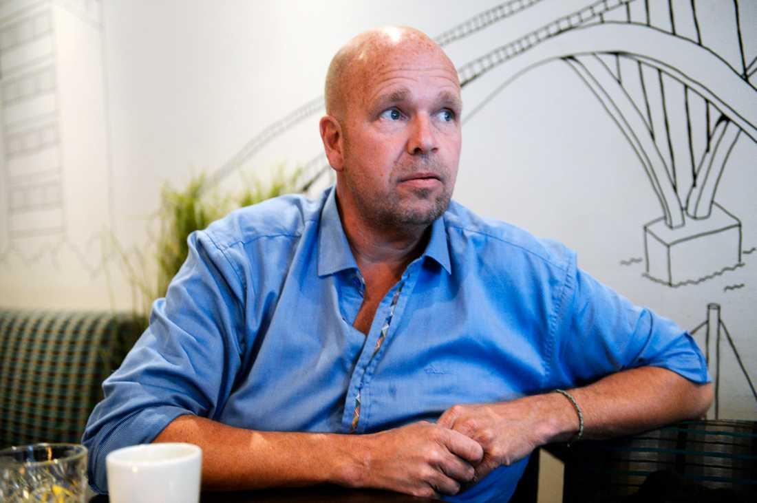 Lasse Kronér dras fortfarande med sviterna av coronaviruset.