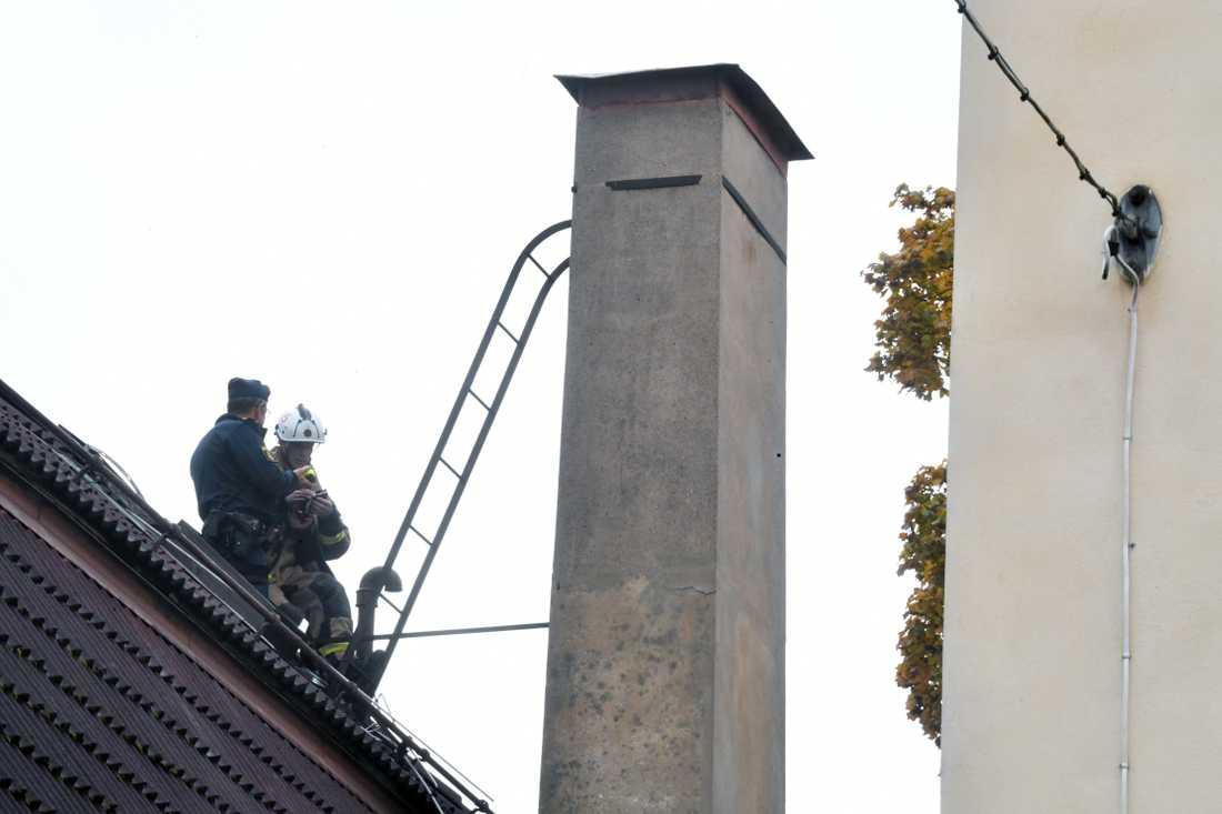 En kvinna hade fastnat flera meter ner i den här skorstenen