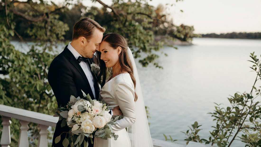 Finlands statsminister Sanna Marin och fotbollsspelaren Markus Räikkönen har knutit äktenskapsband.