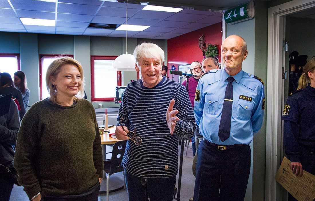 """""""I den här scenen berättar chefen i Borås (Gustav Levin, till höger) att Maja ska ta över utredningen"""", säger Helena Bergström – som spelar just Maja."""