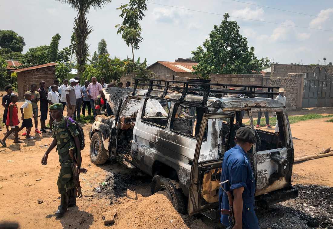 Ett fordon tillhörande hälsoministeriets ebolainsats i Kongo-Kinshasa attackerades i Beni i slutet av juni och säkerhetsstyrkor tillkallades. Insatsen mot ebolautbrottet i det konfliktdrabbade Kongo-Kinshasa har utsatts för nära 200 attacker bara sedan januari 2019.