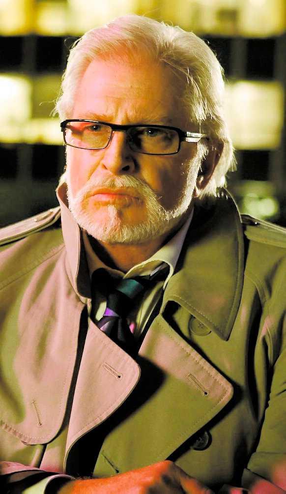 """Besviken Ulf Brunnberg, som spelar Henry Strolz i """"Labyrint"""" tycker att TV 4 överger serien."""