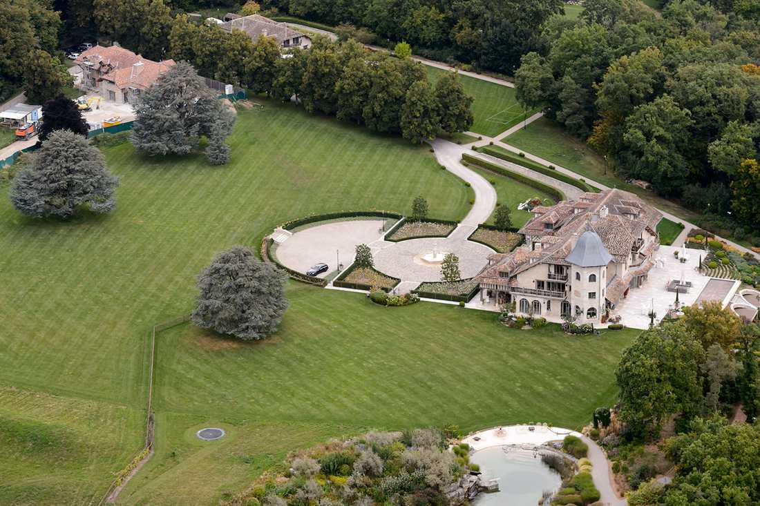 Michael Schumacher vårdas nu i sitt hem.