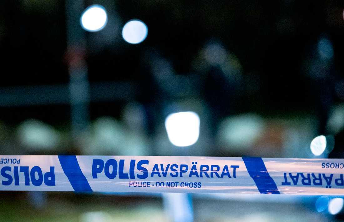 En man har blivit skottskadad i Sköndal i södra Stockholm. Arkivbild.