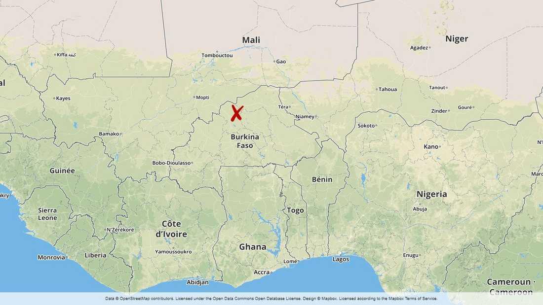 Flera av dem döda hittades längs en väg i närheten av byn Pobe Mengao.