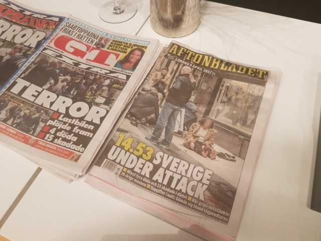 Förstasidor dagen efter – terrorns mål har uppnåtts.