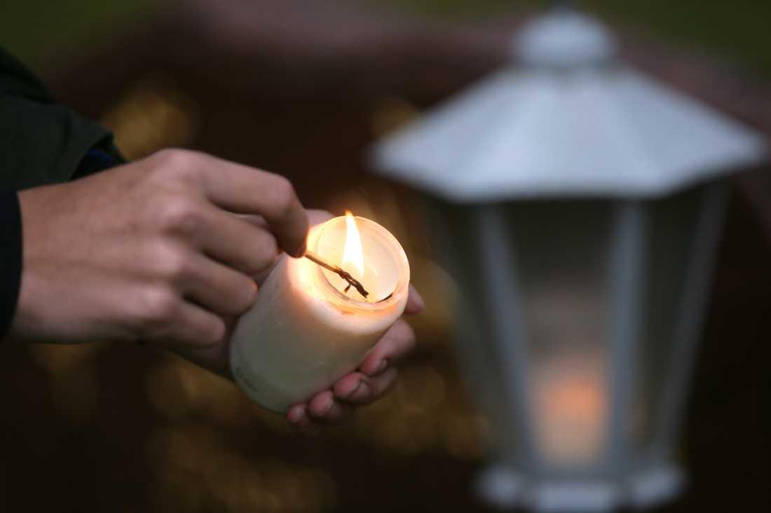 Ljus tänds åt de som inte kan. Arkivbild.
