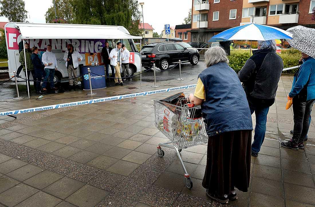 Stöttar Alliansen Jimmie Åkesson och SD har för vana att rösta med alliansregeringen – alltså är en röst på det  partiet inte en röst på förändring till det bättre för pensionärer.