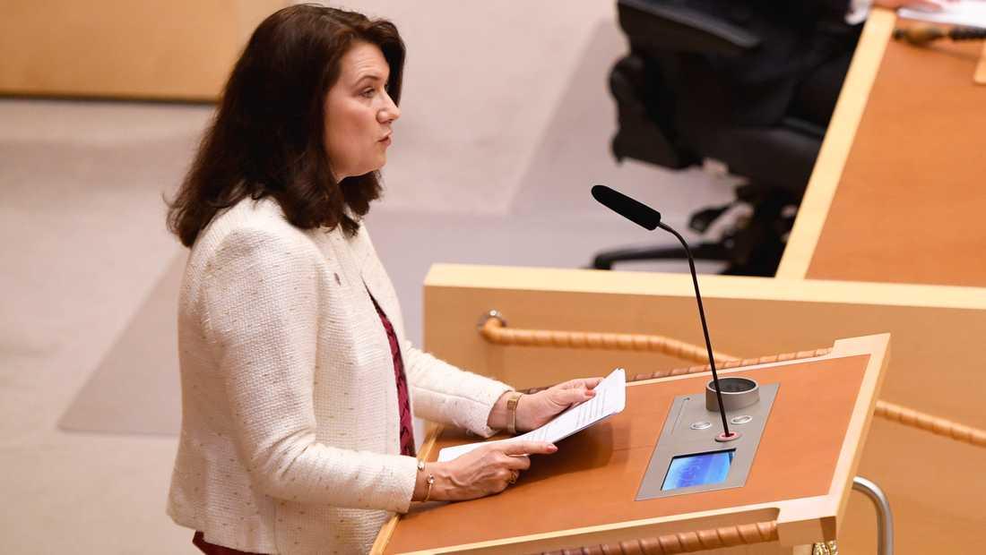 Utrikesminister Ann Linde (S) talar under den utrikespolitiska debatten i i riksdagen i Stockholm.