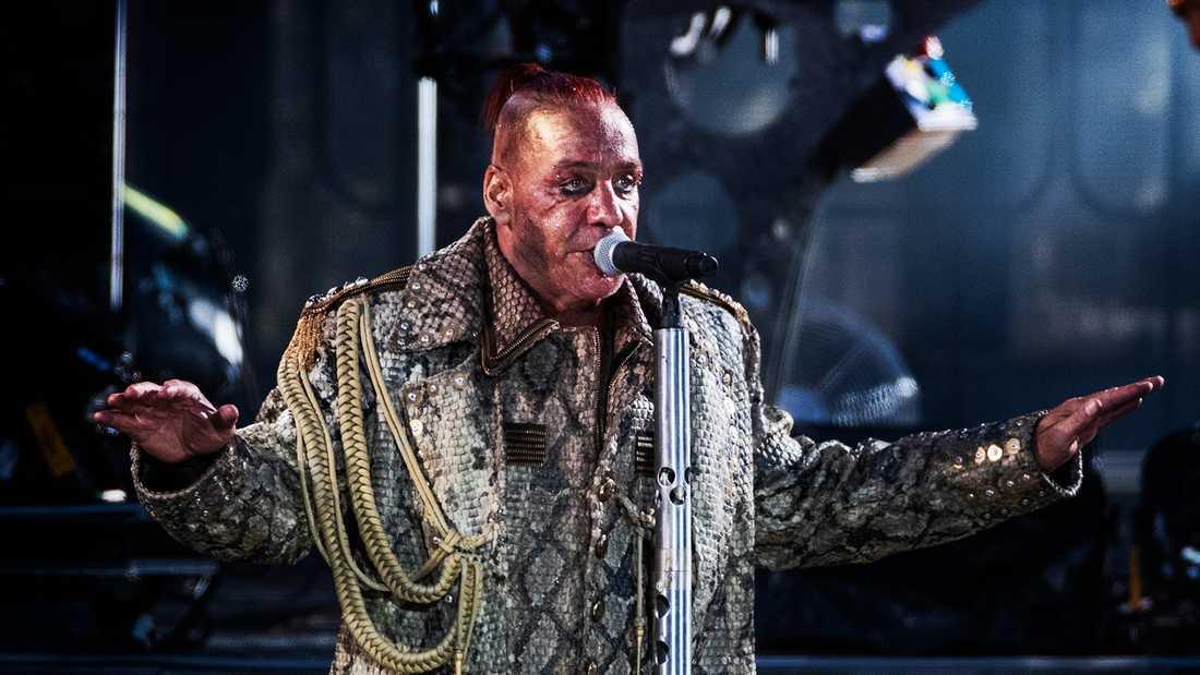 Rammstein på Stadion. Sångaren Till Lindemann.
