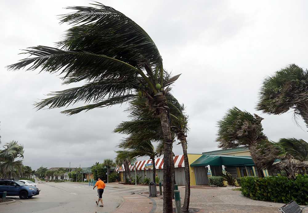 Stormen närmar sig Florida.