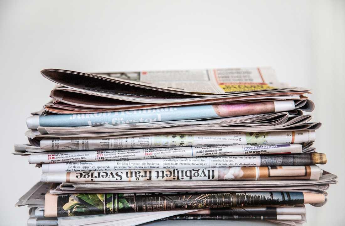 Ännu en gång anklagas journalister för att vara vänster. Men varför gynnas då borgerliga partier av media under valrörelser?