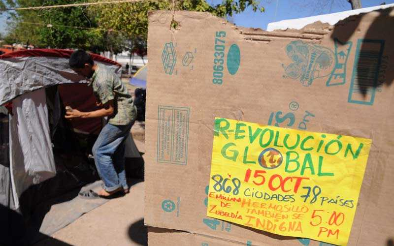 Lappen informerar om en demontration i Mexiko.