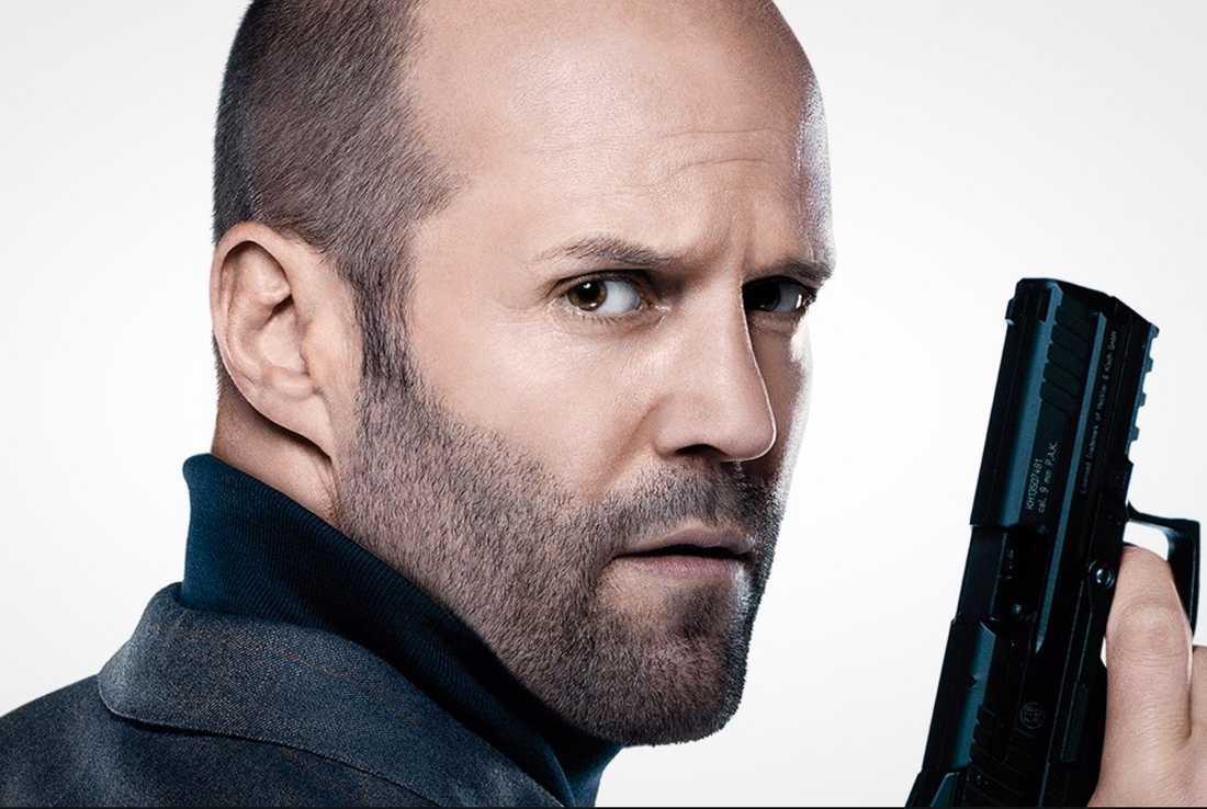 Jason Statham - kämpar sig upp till godkänt.
