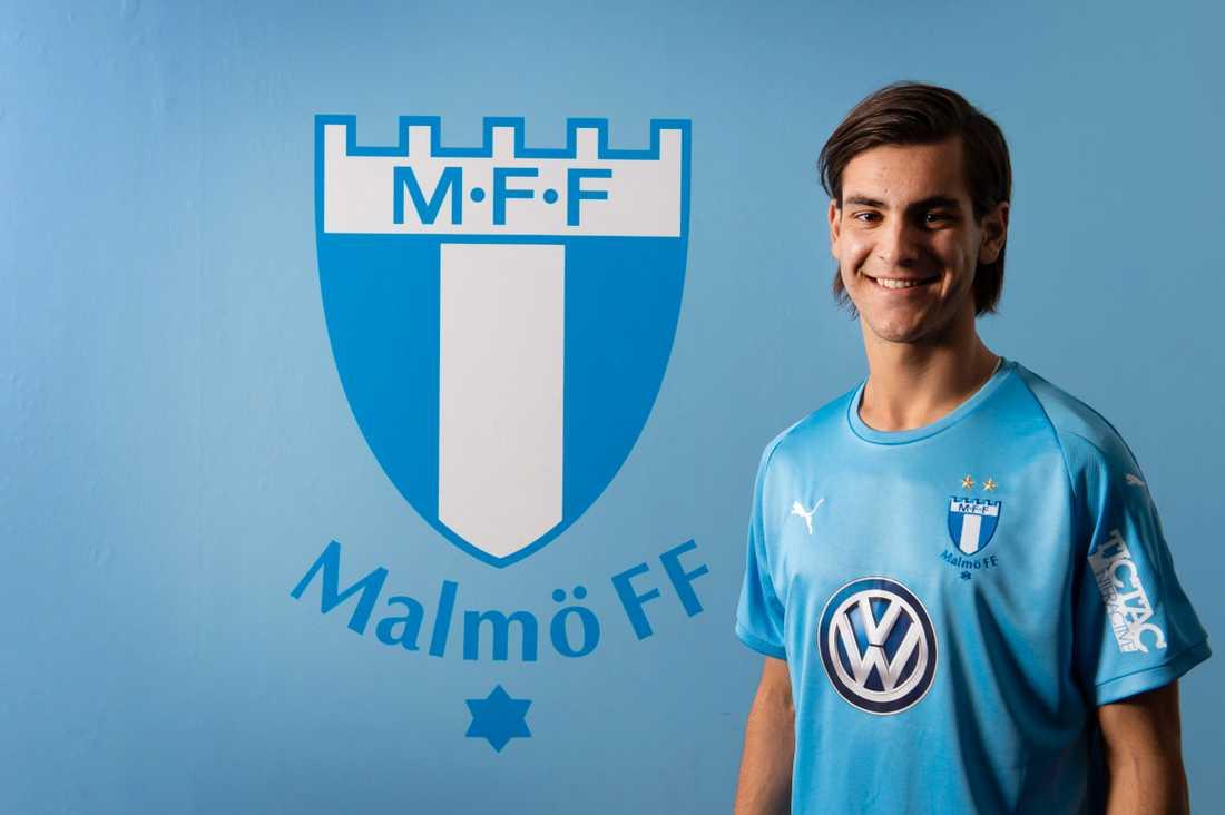 Adi Nalic har kontrakt över säsongen 2022.