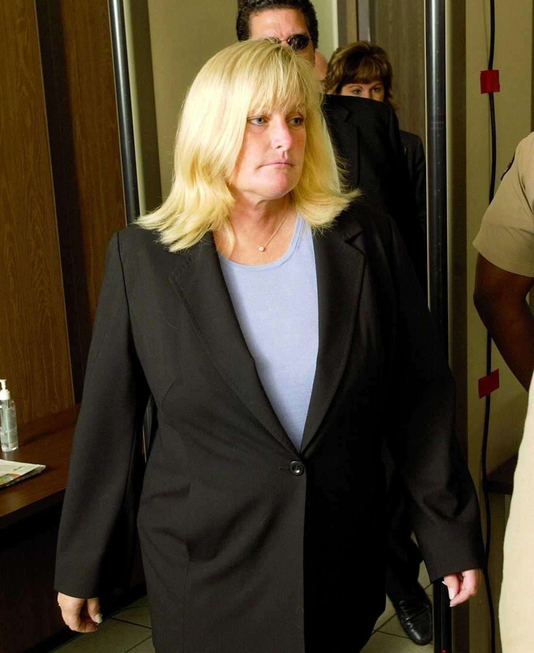 39-åriga Debbie Rowe är mor till två av Michaels barn.
