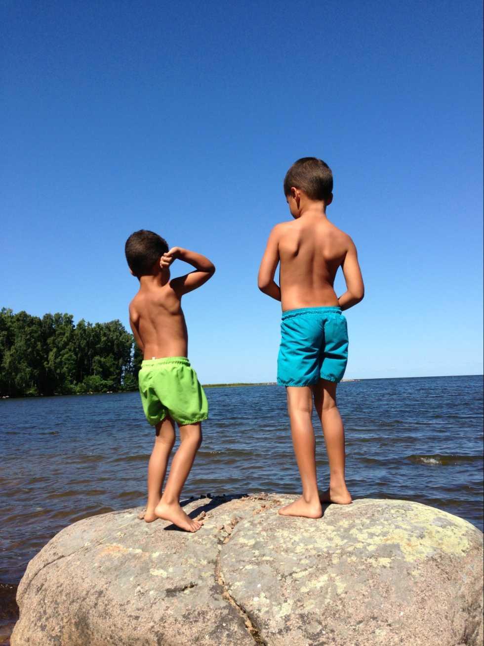 Mina barns sommarlov längs Vänern.