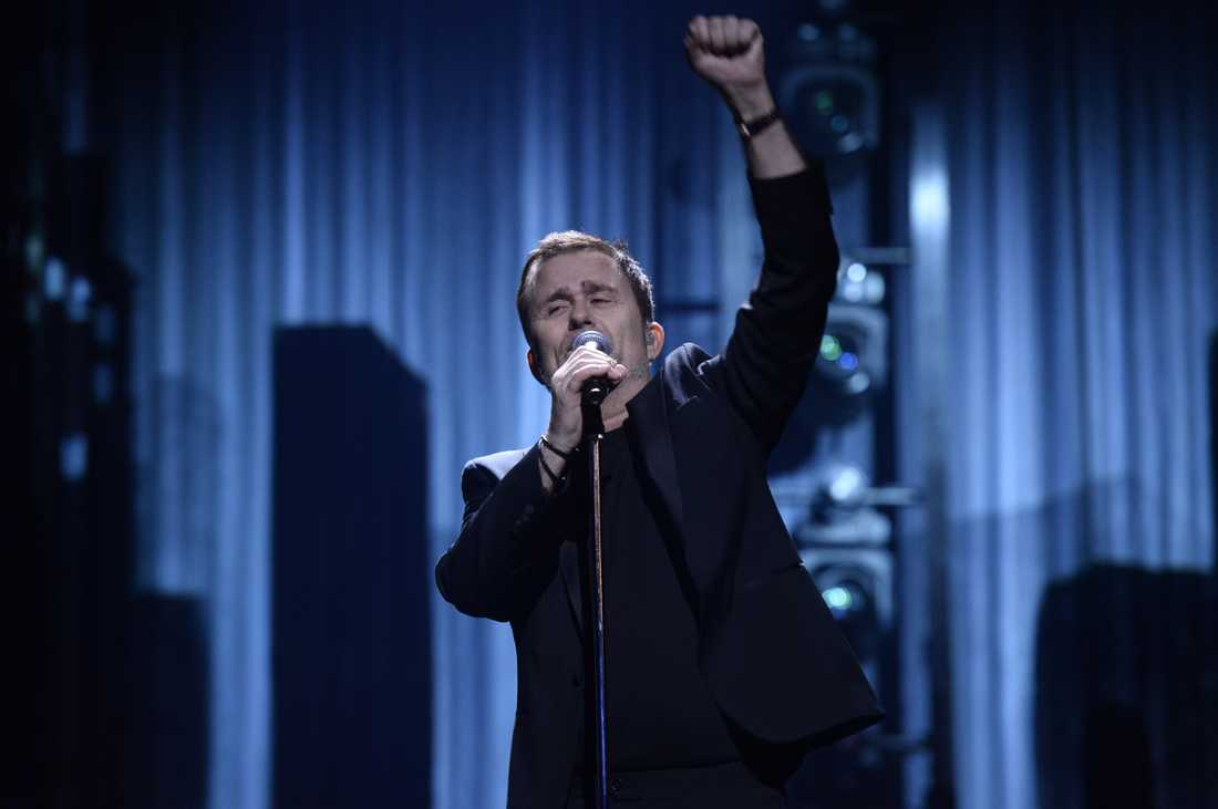 Vikarien Jan Johansen rycker in för Thorsten Flinck som petats från Melodifestivalens deltävling i Göteborg