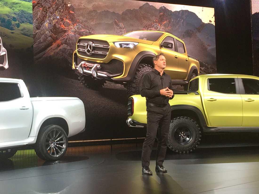 Mercedes designchef Gordon Wagener berättar hur man gjort Mercedes av en Nissan.