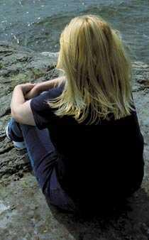 Lever gömd Maria Eriksson lever sedan flera år tillbaka gömd utomlands, på flykt undan sin ex-man.