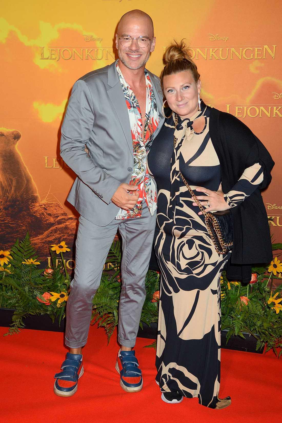 Vännerna Andreas Lundstedt och Sarah Dawn Finer dök upp på röda mattan