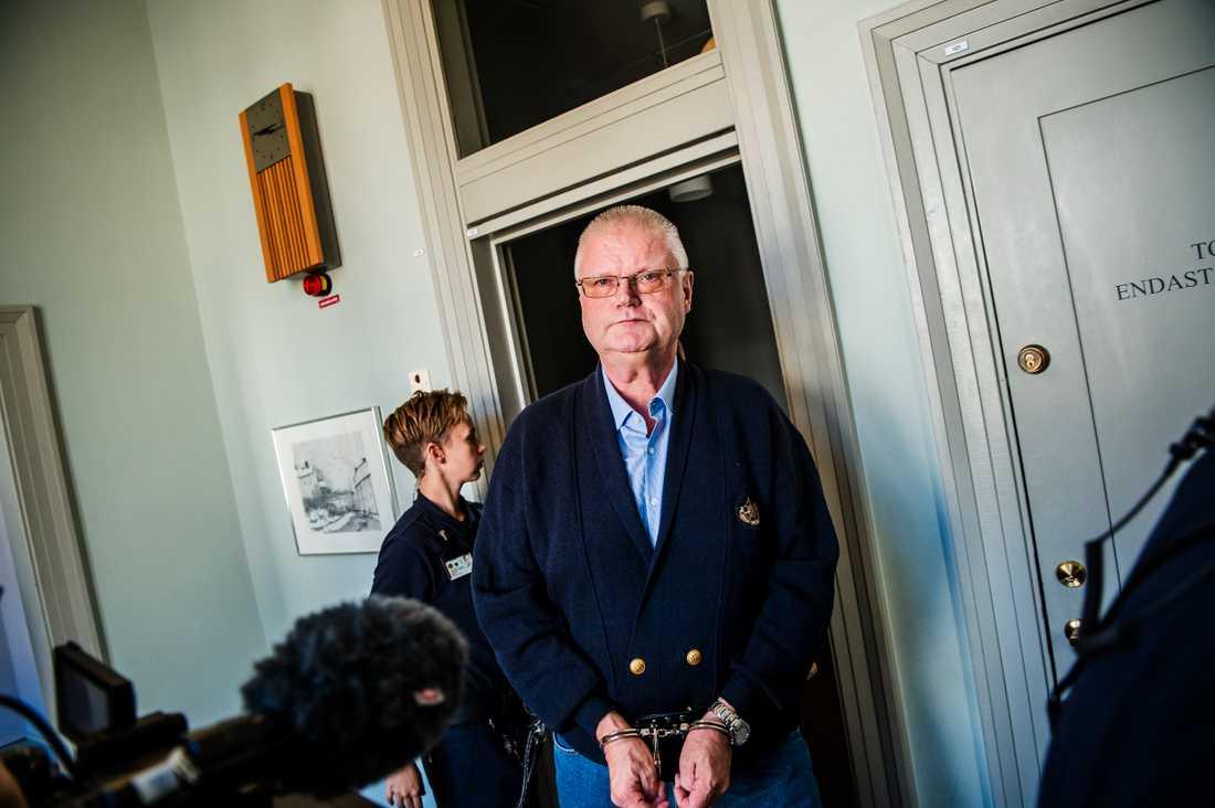 Esa Teittinen, dömd till 15 års fängelse för mord, har fått resning. I dag är första rättegångsdagen.