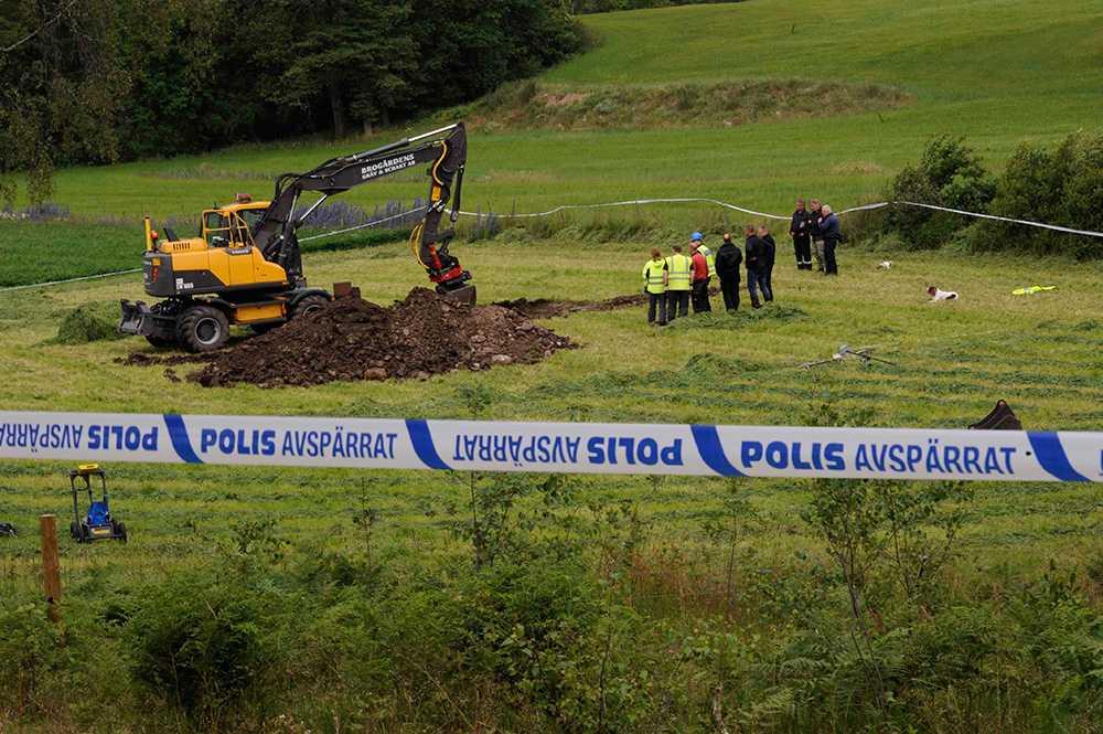 Polisen är tystlåten om eventuella fynd.