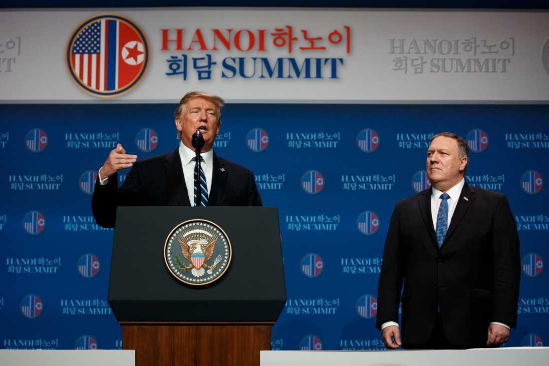 Donald Trump och utrikesministern Mike Pompeo på pressträffen efter toppmötet.