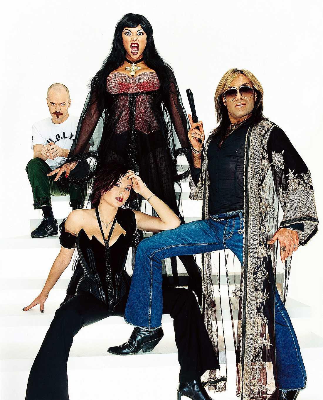 Alexander Bard, Camilla Henemark, Dominika Peczynski och Jean-Pierre Barda i Army of Lovers.