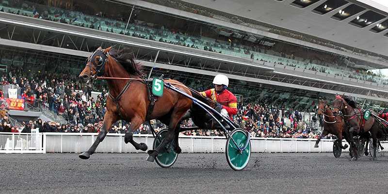 Readly Express var överlägsen i Prix de France. Nu hoppas Solvallas sportchef Anders Malmrot att hästen startar i Elitloppet.