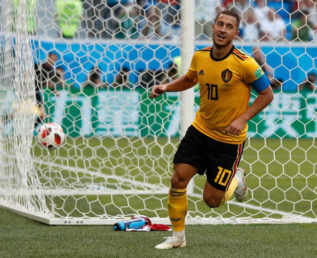 Mittfältseleganten Eden Hazard finns med bland namnen.