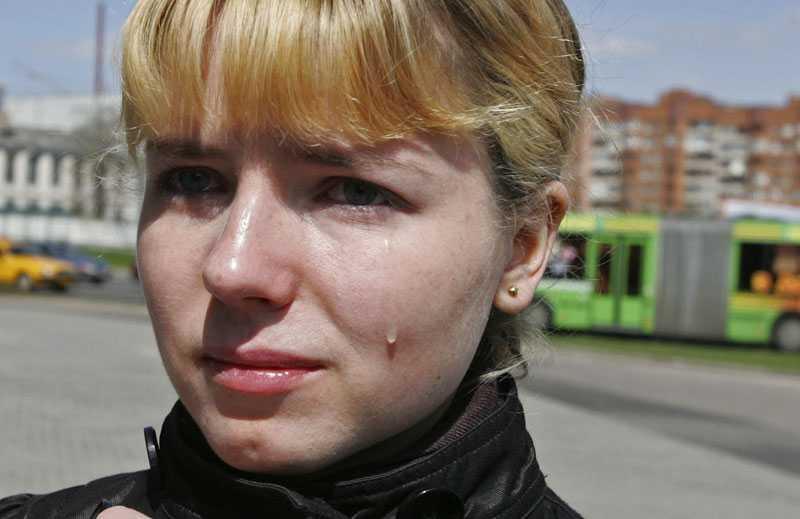 tvångsförflyttas Kasja Markouskaja har precis fått veta att hon måste flytta till en stad nära Tjernobyl för att arbeta i två år.
